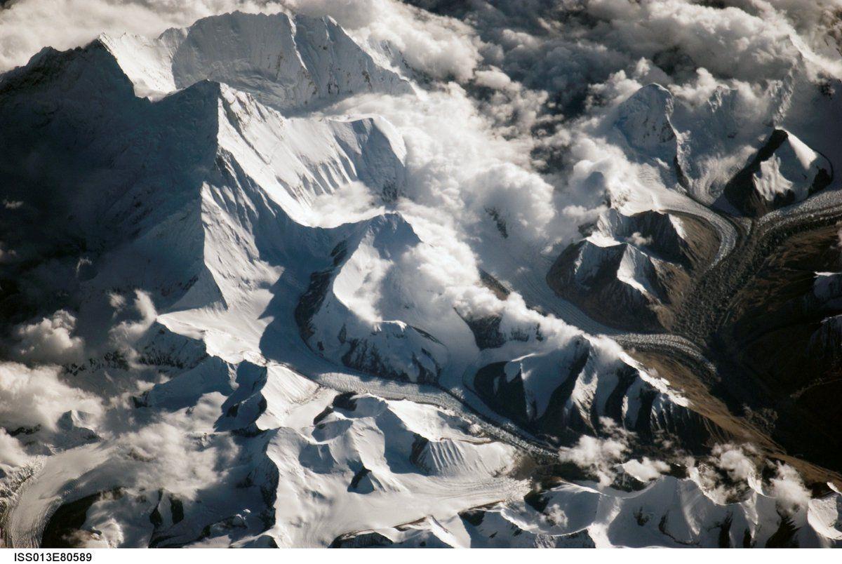 Южный полюс фото со спутника шею